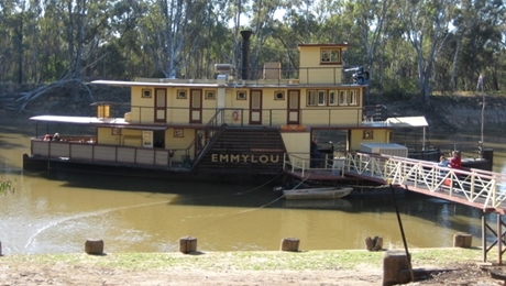 A paddlesteamer at Echuca